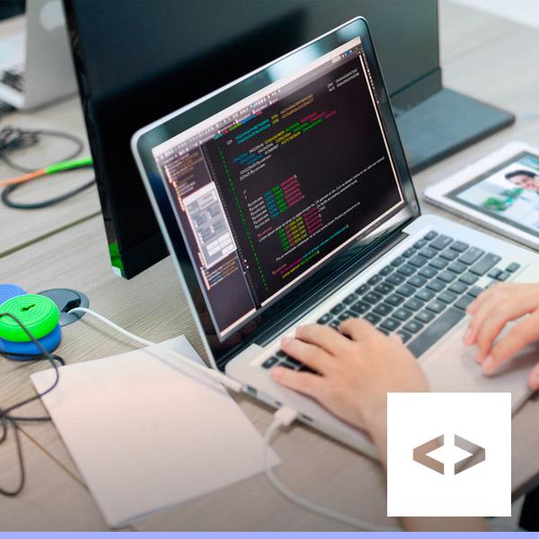 Atuar com desenvolvimento de sistemas utilizando linguagens de programação para Mobile, codificação, testes das rotinas...