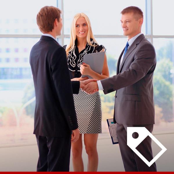 Atuar com vendas, apresentar livros, sanar dúvidas, entre outras atividades correlatas a função. Experiência na função d...